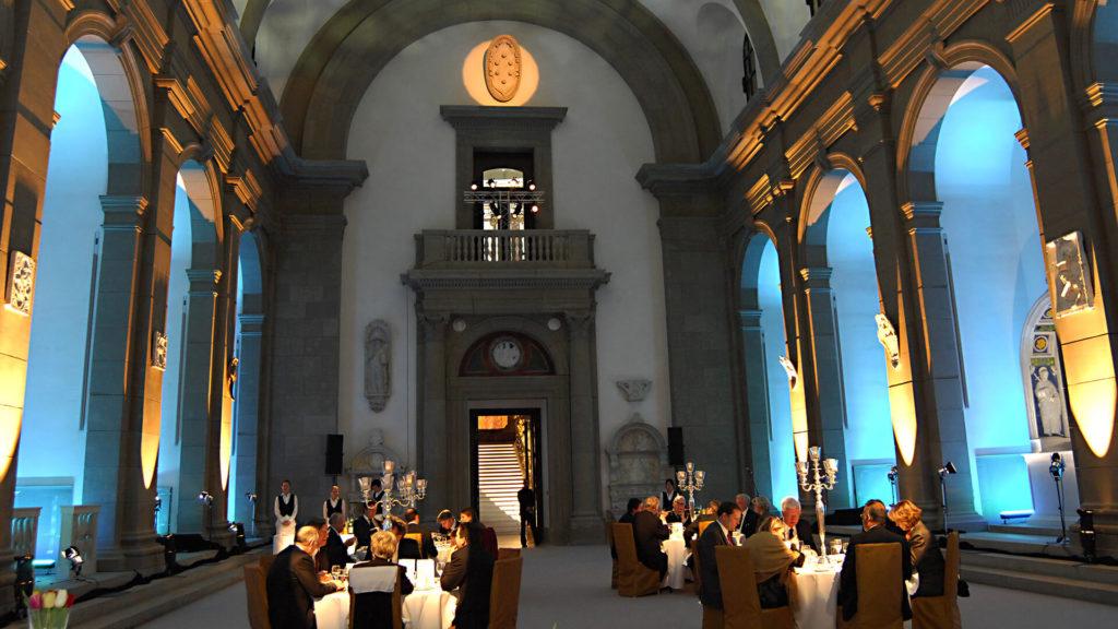 Kulturveranstaltung im Innenraum der Basilika im Bode Museum